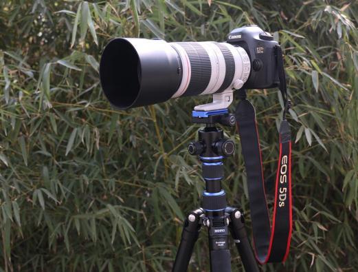 摄影机三脚架的拍摄使用技巧